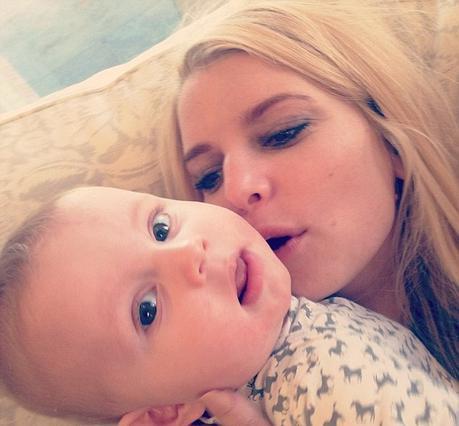 Τζέσικα Σίμπσον: παιχνίδια με την οικογένεια στο Instagram