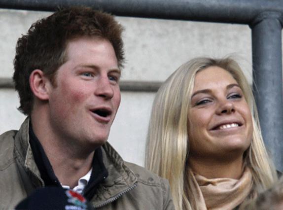 Το ζευγάρι είναι μαζί και δεν το κρύβει ούτε από τις τηλεοπτικές κάμερες!