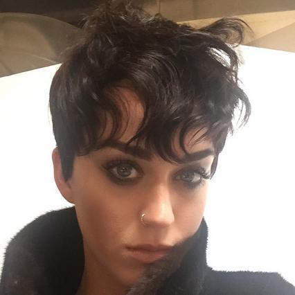 Katy Perry σε σέξι φωτογράφηση: αγνώριστη!
