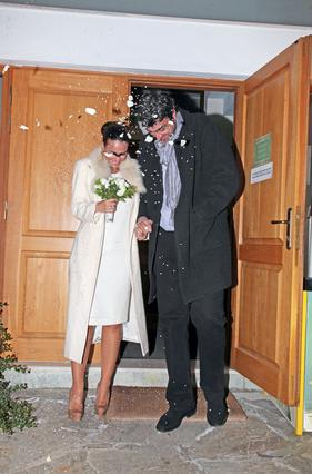 Οικονόμου - Λαφαζάνη: Παντρεύτηκαν στην Εκάλη
