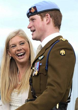Η Τσέλσι βρέθηκε στο πλευρό του Χάρι στην τελετή της αποφοίτησής του στις αρχές Μαΐου.
