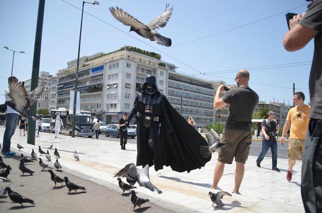 Star Wars... απόβαση στο κέντρο της Αθήνας με αφορμή το κανάλι Nova Star Wars HD [photos]