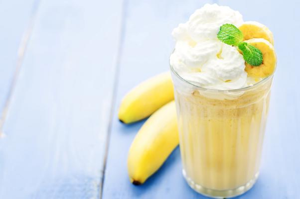 <h4>Κρέμα μπανάνας με λεμόνι</h4>  <p><em>Δεν θέλεις να τελειώσει…</em></p>  <p><strong>Υλικά</strong>: 1 ώριμη μπανάνα, ξεφλουδισμένη και κομμένη σε λεπτές ροδέλες. 1 κουταλιά ξύσμα λεμονιού.