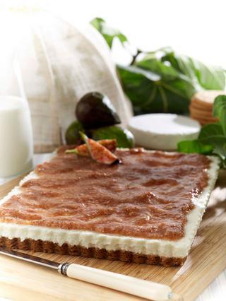Τάρτα μπισκότου με σύκα & κρέμα από ελληνικά τυριά