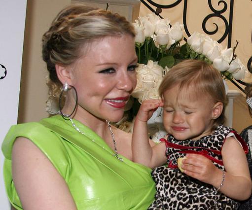 Η Κέισι αγαπούσε πάρα πολύ την υιοθετημένη κόρη της, Άβα.
