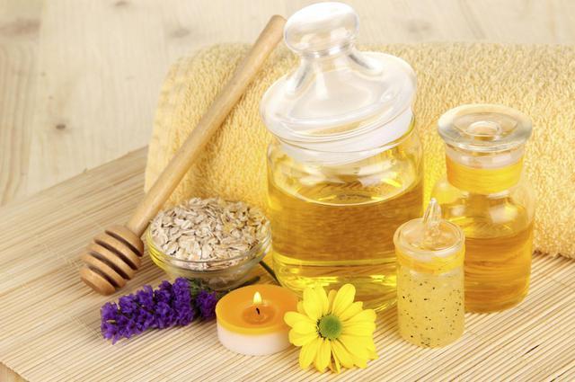 Φτιάξε μόνη πανεύκολα καλλυντικά με μέλι!