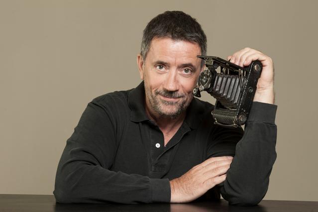Παπαδόπουλος: Η οργισμένη ανακοίνωση ότι έβγαλε λεφτά στο εξωτερικό!