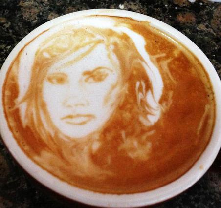 Μεγαλεία: Πιες τη Βικτόρια Μπέκαμ στον... καφέ