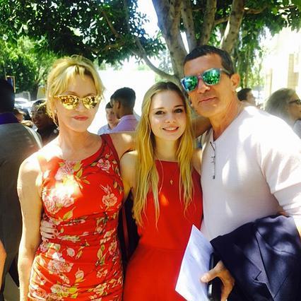 Στέλα Μπαντέρας-Γκρίφιθ: Η 20χρονη κόρη του Αντόνιο και της Μέλανι ποζάρει με μπικίνι [photo]