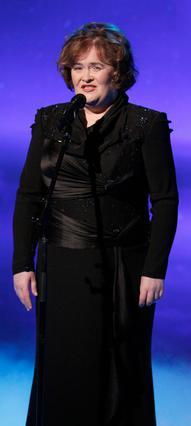 Η Σούζαν Μπόιλ εμφανίστηκε σε  τηλεοπτική εκπομπή αλλά κάπου  φαίνεται ότι το... έχασε και σταμάτησε το τραγούδι στη μέση.