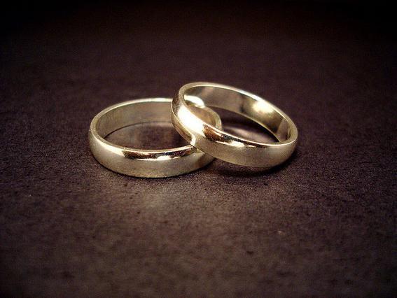 Μυστικός γάμος γνωστού μοντέλου με ποδοσφαιριστή
