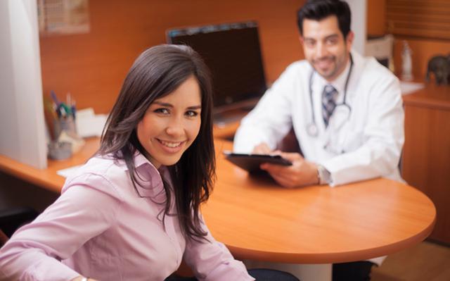 Συμπτώματα που πρέπει να σε οδηγήσουν στον γυναικολόγο
