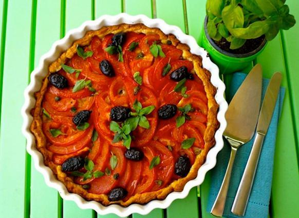 Tάρτα με ντομάτες & βασιλικό αλά Pandespani