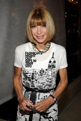 Η Άννα Γουίντουρ, η θρυλική διευθύντρια της αμερικανικής Vogue, και ψυχή της Εβδομάδας Μόδας της Νέας Υόρκης.