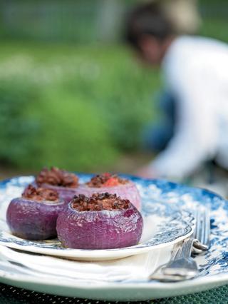 Κρεμμύδια γεμιστά με κιμά