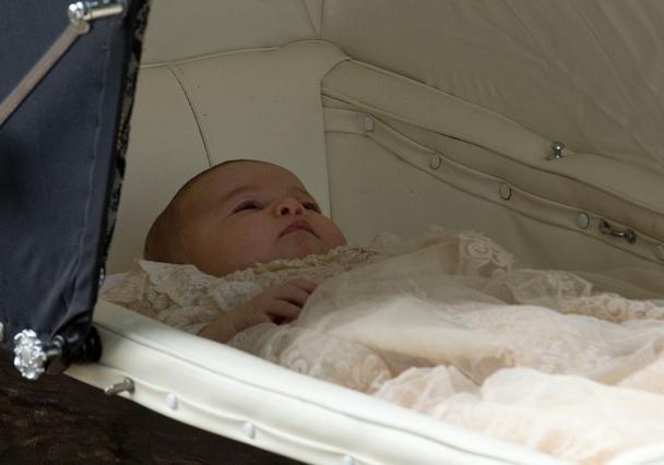 Βαφτίστηκε η πριγκίπισσα Σάρλοτ - πικάντικες λεπτομέρειες & φωτο