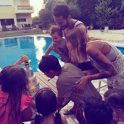 Δες την τούρτα της Ηλιάδη για τα πρώτα γενέθλια του γιου της