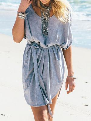 <p>1. Φόρα ρούχα από ελαφρά υφάσματα που αναπνέουν και όχι νάυλα.</p>  <p>2.Προτίμησετα ριχτά και όχι τα στενά.</p>