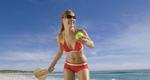 Πώς θα κάψεις θερμίδες στην παραλία