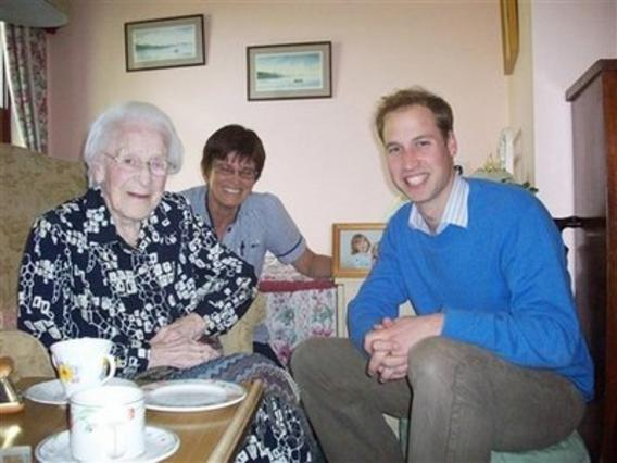 Η κυρία Μάστερς με τον πρίγκιπα Γουίλιαμ.
