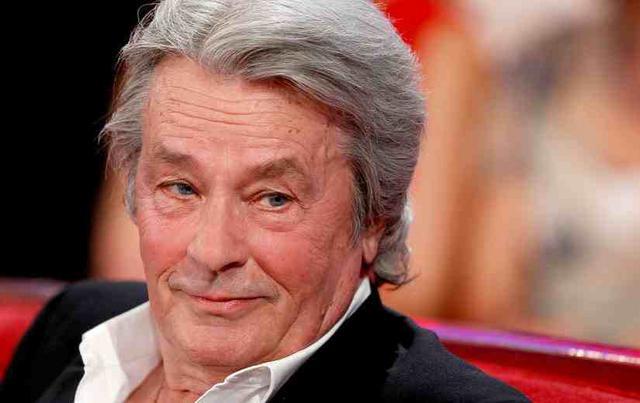 Γκάφα ολκής: Ελληνίδα παρουσιάστρια  πέθανε  τον Αλέν Ντελόν on air [vds]