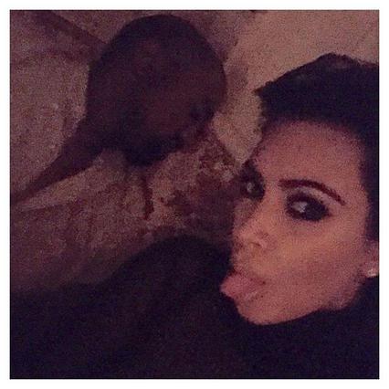Σάλος από τη νέα ολόγυμνη selfie της εγκυμονούσας Κιμ Καρντάσιαν