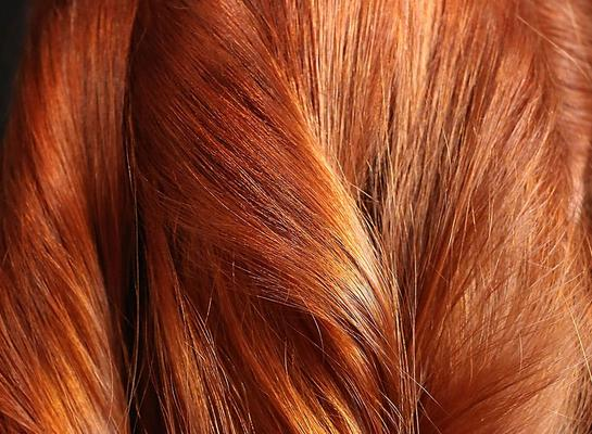 "<h4>Πιο ""ανοιχτό"" χρώμα με το σαπούνι για τα πιάτα:</h4>  <p>Πολλές φορέςέχει τύχει να βγούμε απογοητευμένες από το κομμωτήριο μιας και δεν πετύχαμε το χρώμα στα μαλλιά που"