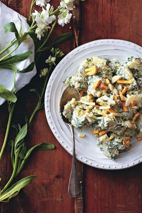 Πατατοσαλάτα με αβγά και μυρωδικά