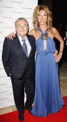 Η εορτάζουσα Χέδερ Κρέτσνερ μαζί με τον σύζυγό της,  δισεκατομμυριούχο ιδιοκτήτη  καζίνο, Σολ.