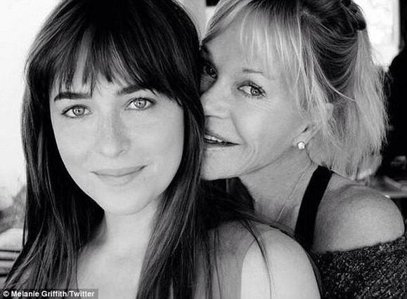Απίστευτο: Η Μέλανι Γκρίφιθ απαρνήθηκε την κόρη της [photo]