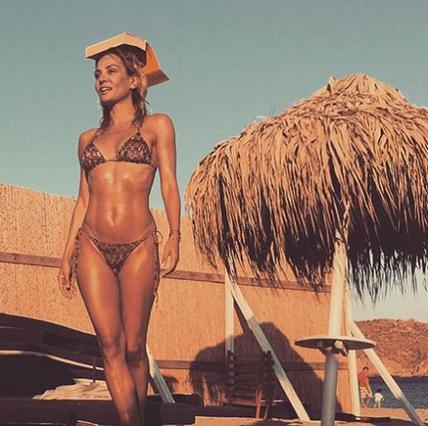 Ματσούκα: Ερωτικά παιγνίδια στη θάλασσα με τον πρώην της! (vds)