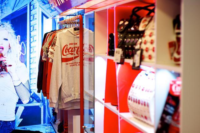 Το εντυπωσιακό Coca-Cola Pop-Up Store επισκέπτεται τη χώρα μας!