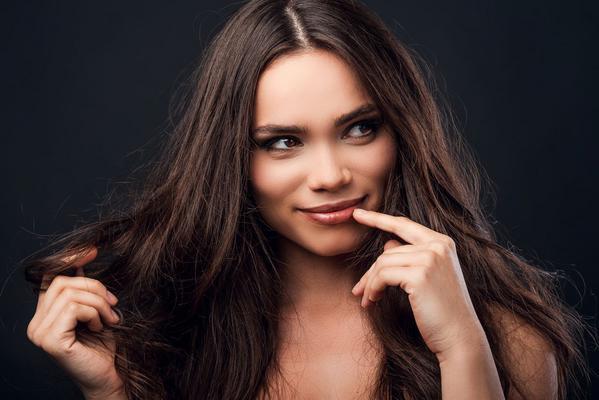 <p>Τα μαλλιά μας είναι το «κλειδί» της εμφάνισής μας. Μπορεί να μας κάνουν να φαινόμαστε πιο νέες ή μεγαλύτερες σε ηλικία, δυναμικές, με αυτοπεποίθηση. Και τι μεγαλύτερη απόδειξη γι'