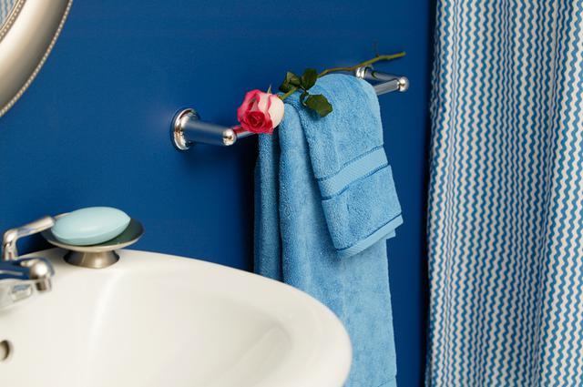 4 απλές -και οικονομικές- ιδέες για να ανανεώσεις το μπάνιο σου