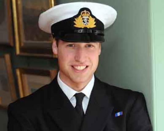 Σωστός πρίγκιπας ο Γουίλιαμ, εδώ στην πρώτη μέρα της κατάταξής του στον στρατό.
