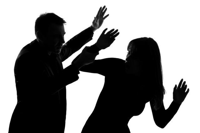 Διάσημο ζευγάρι της showbiz χώρισε γιατί εκείνος τη χτυπούσε!