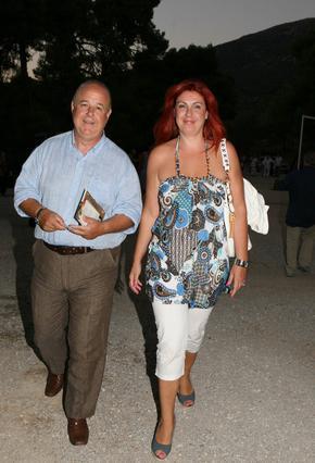 Παντρεύτηκε ο Χαϊκάλης με κουμπάρα τη Λαμπίρη! [photo]
