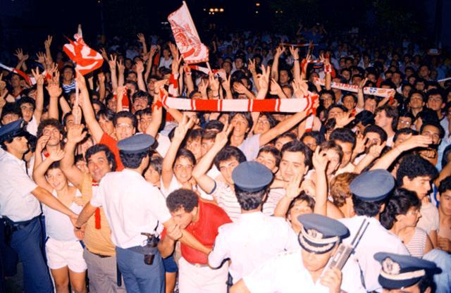 Πενήντα (!) χιλιάδες οπαδοί του Ολυμπιακού συγκεντρώθηκαν στην παρουσίαση του «Αγιος Λάγιος»!
