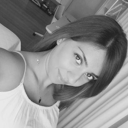 H νέα σέξι πόζα της κόρης του Βασίλη Καρρά [photo]