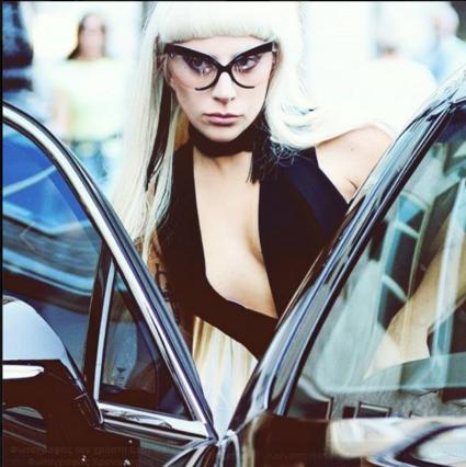 Η Lady Gaga και το φιλί του Τραβόλτα [photo]