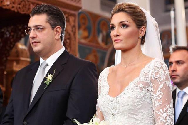 Αποκάλυψη: Όταν η σύζυγος Τζιτζικώστα «πετούσε» με... Γονίδη! [photos+vds]