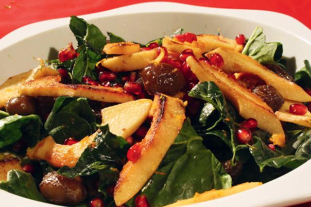 Χριστουγεννιάτικη σαλάτα με λαχανικά εποχής