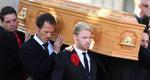 Πλήθος κόσμου στην κηδεία του Στίβεν Γκέιτλι