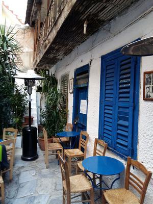 Μπήκαμε στην κρυμμένη Αυλή της Αθήνας