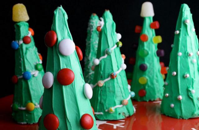 Χριστουγεννιάτικα δεντράκια με χωνάκια παγωτού