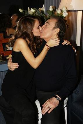 Βοσκόπουλος: Το φιλί στο στόμα με την κόρη του! [photos]