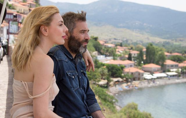 Καρύδη- Αθερίδης: Συνεχίζουν τις ρομαντικές διακοπές τους [νέες photos]