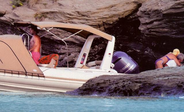 Ράκος η Ελένη: Βρέθηκε κατεστραμμένο το σκάφος της