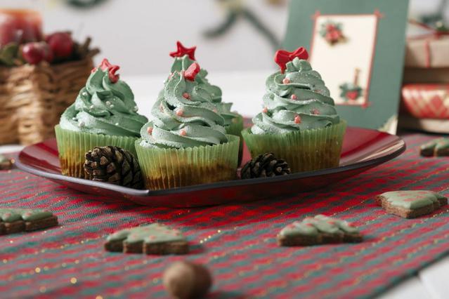 Πόσο σε παχαίνουν τα γλυκά των γιορτών; Δες τις θερμίδες τους!
