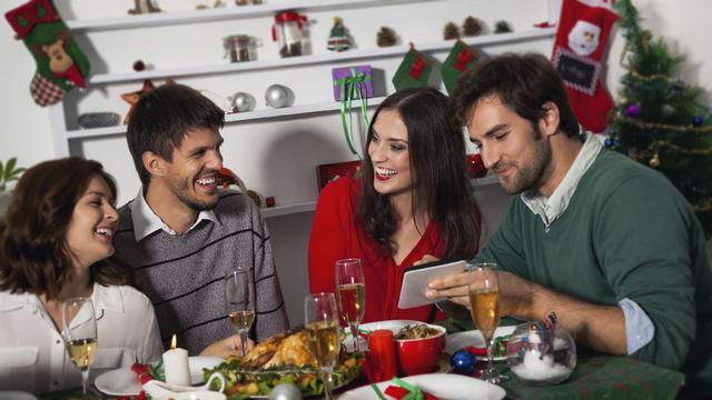 Γιορτινό τραπέζι: τι να διαλέξεις για να μην παχύνεις;